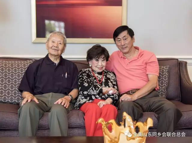 全美山东总会会长看望孔子第76代嫡孙女96岁孔令和女士